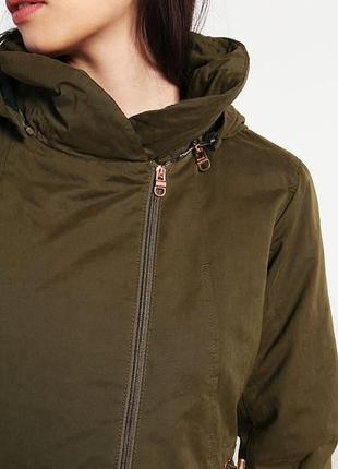 Ветронепродувная куртка британского бренда bench4 фото