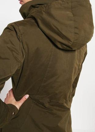 Ветронепродувная куртка британского бренда bench9 фото