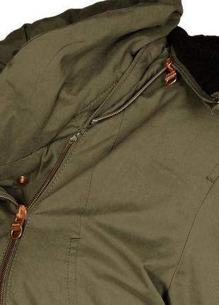 Ветронепродувная куртка британского бренда bench6 фото
