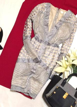 Шикарне мереживне плаття з глибоким декольте missguided / кружевное платье