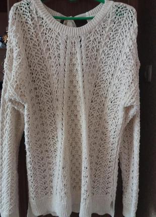 Вязанный  жемчужный   стильный   свитер