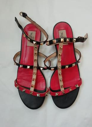 Босоножки сандали с шипами  valentino garavani