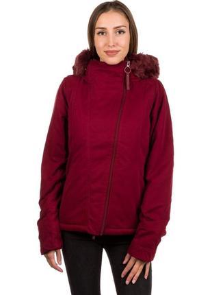 Водоотталкивающая и ветронепродувная куртка британского бренда bench8 фото
