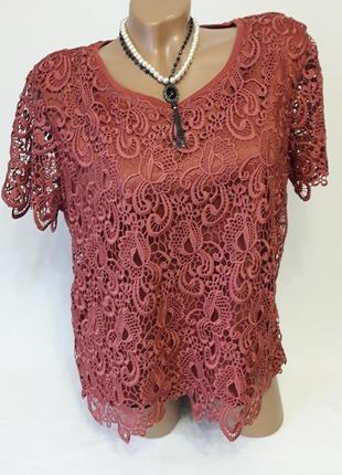 Кружевная блуза терракотового цвета