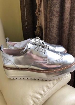Невероятно крутые туфли оксфорды броги лоферы фирмы zara есть размеры