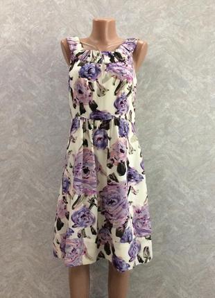 Шелковое платье в цветы