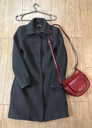 Шикарное серое пальто 100%шерсть