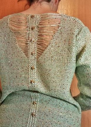 Легкий весенний зелёный свитер