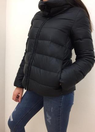 Весення курточка на пуху от benetton