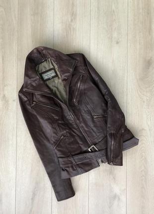 Классная курточка из натуральной кожи