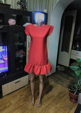 Стильное летнее красное платье с воланом xs-s ручная работа