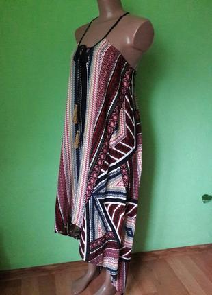 Оригинальное асимметричное платье трапеция