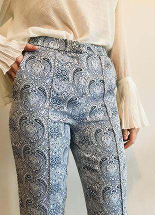 Классические брюки с узором
