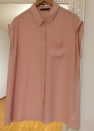 Красива блузочка ніжного кольору