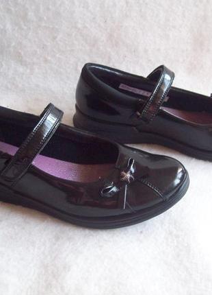 Туфли кожа clarks лак, стелька 23,8 см.