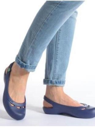 Базовые балетки crocs jayna кроксы босоножки аквашузы крокс