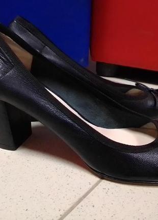 Туфлі лодочки (24 см)