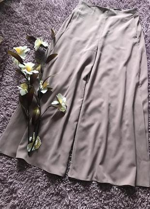 Актуальные широкие брюки палаццо с высокой посадкой