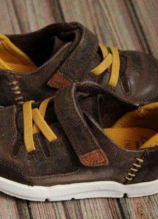 Кожаные кроссовки clarks размер 20