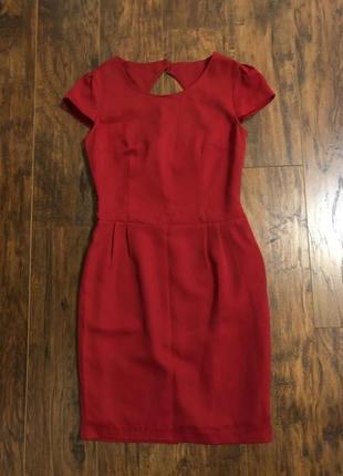 Красное класическое платье