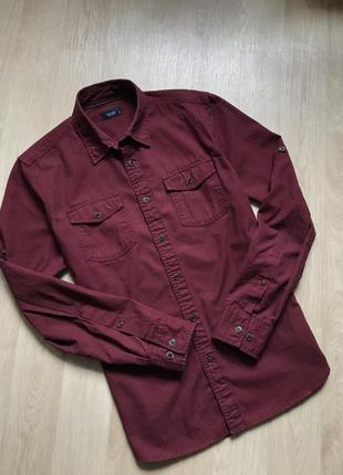 Приталенная рубашка цвета бордо