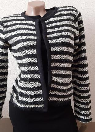 Пиджак  в полоску размер s  пиджак в стиле шанель
