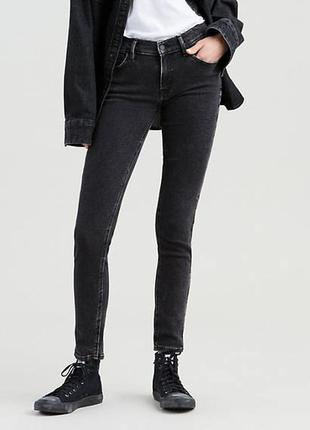 Чёрные джинсы levi's 519 skinny