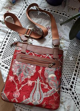 #розвантажуюсь.  стильная, винтажная сумочка кросбоди.  вместительная. по типу d&g