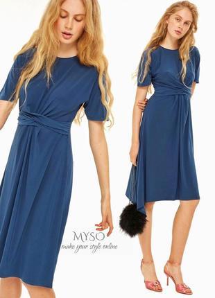 Оригинальное платье цвета морской волны