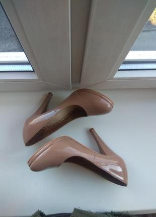 Туфли лодочки на каблуке, лаковые, нюдовые, пудровые5 фото