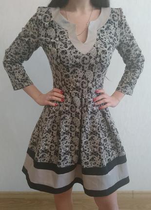 Классическое платье с узором s