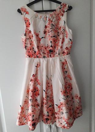 Красивейшее хлопковое платье с сакурой