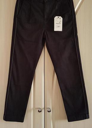 Стильные брюки zara с лампасами для мальчика.