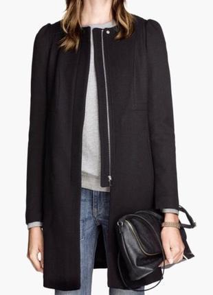 Классическое чёрное пальто
