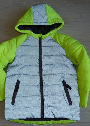 Нереально крутая демисезонная куртка nut meg 5-6 лет