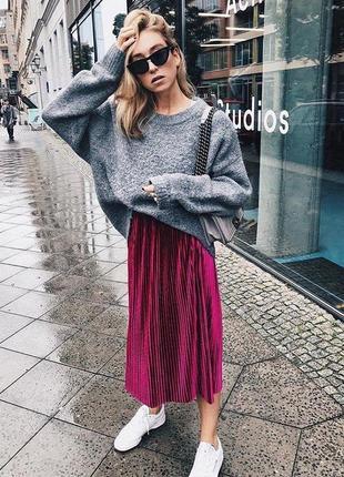 Яркая юбка гофре длины миди zara стильная бархатная велюровая юбка цвета фуксии
