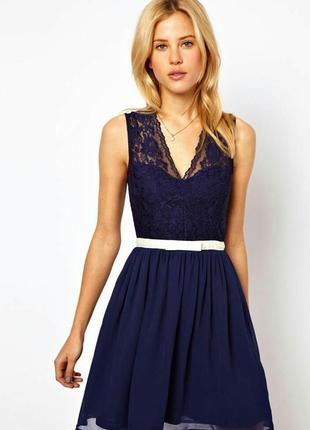 Чудесное платье с кружевным верхом, размер 10-12