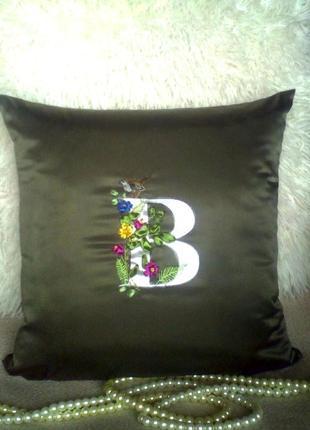 Именная подушка с птичкой, вышивка лентами, наволочка.