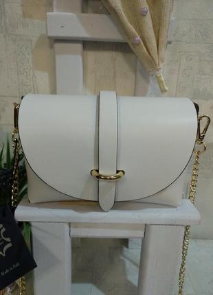 Маленькая симпатичная сумочка