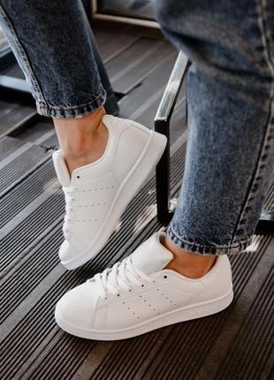 Популярные кеды adidas из кожи в белом цвете