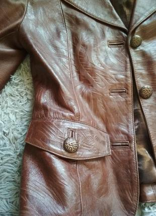 Пиджак из натуральной кожи с тиснением. греция.