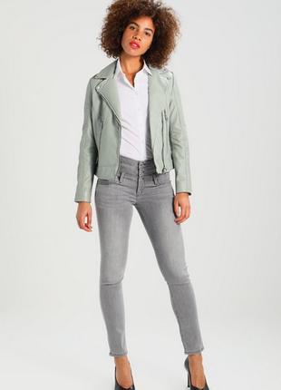 Новая. 100% кожа. куртка-косуха ультрамодного цвета gipsy, германия xs, l мята