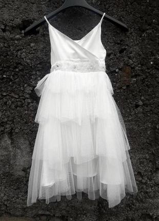 Фирменное платье на принцессу 4года