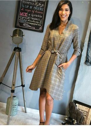 Платье классика с асимметричным подолом