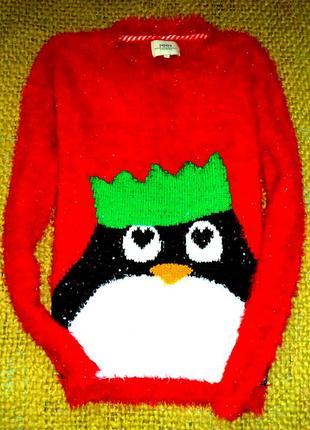Свитшот  красный очень классный.травка принт пингвиненок.