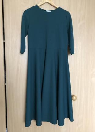 Платье изумрудное расклешенное vovk