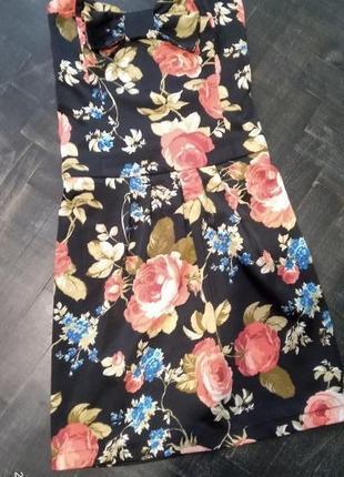 Красивое летнее платье в цветочный принт