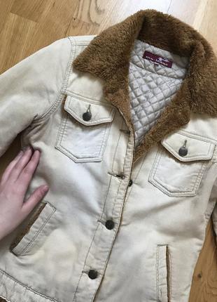 Тёплая вельветовая курточка на весну-осень