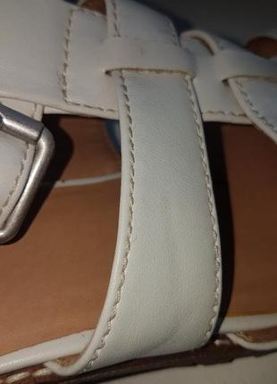 Фирменные отличные босоножки кожа  р. 40-419 фото