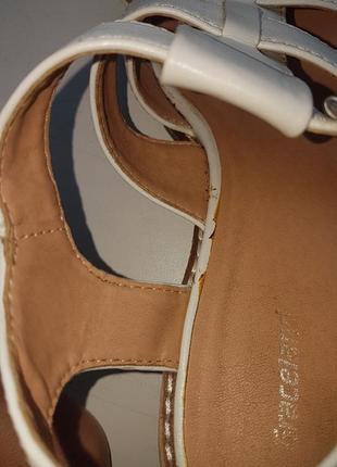 Фирменные отличные босоножки кожа  р. 40-4110 фото